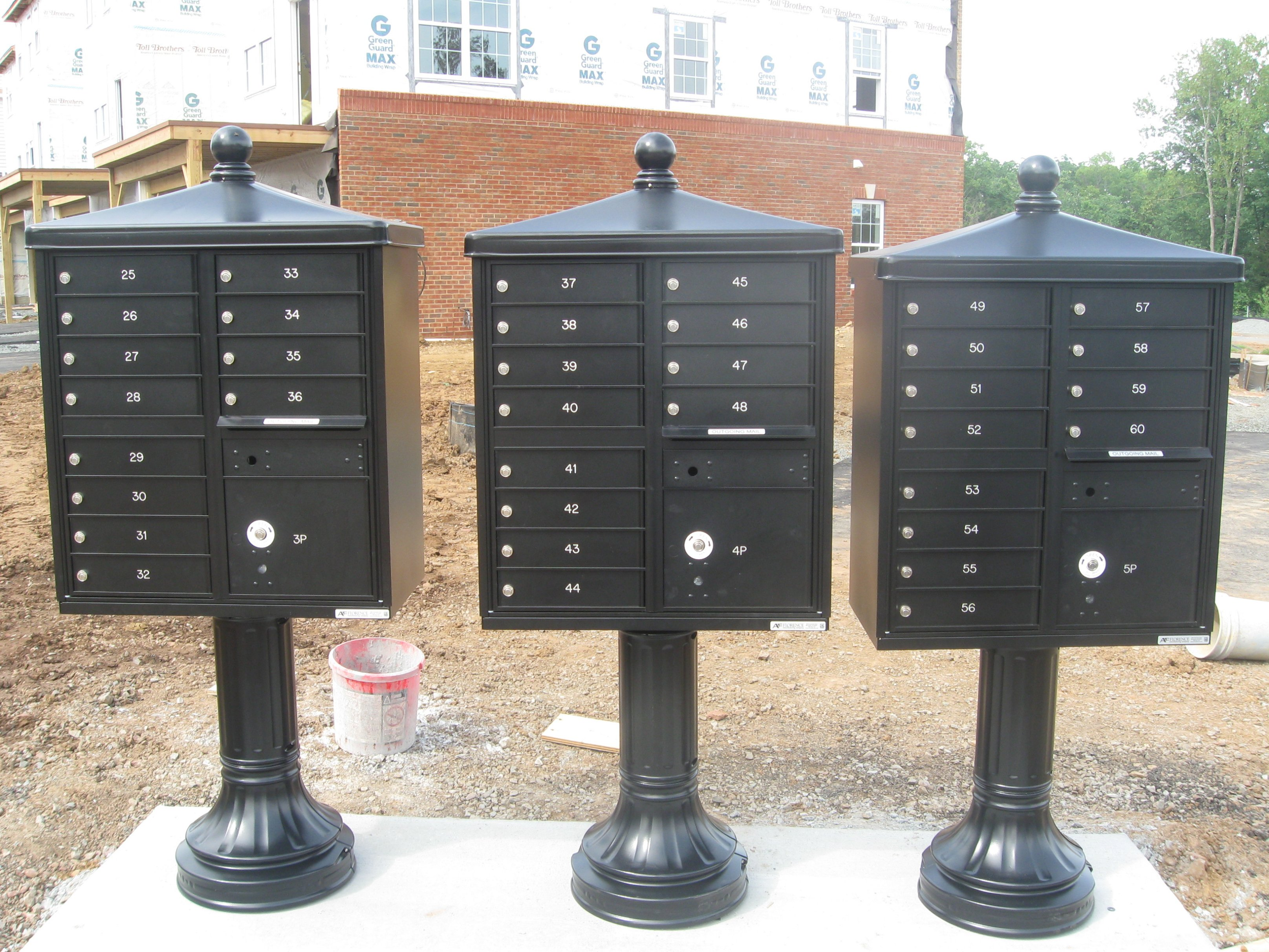 Apartment mailbox pedistal set